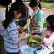 料理班では災害時を想定し工夫をしながら調理しました