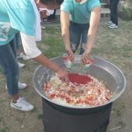 サバ缶とトマト缶を使って水を使わずに出来るカレーを作ります