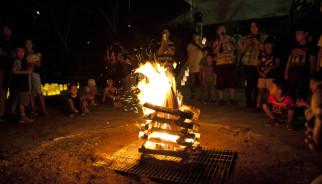 キャンプファイヤー_レッドベア火育サバイバルキャンプ2013